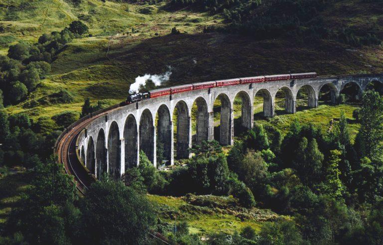 Jacobite Steam Train, Glenfinnan Viaduct, Schottland